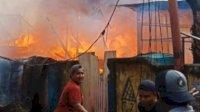 Plt Gubernur Sulsel Beri Bantuan Logistik Korban Kebakaran Jl Tinumbu